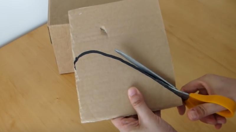 realizzare cuccia per gatti in cartone tutorial